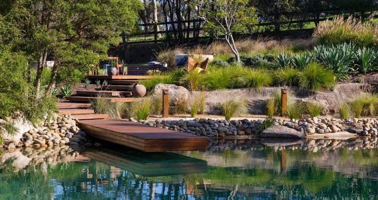 Aménagement paysager réussi jardin avec piscine naturelle Natural - photo d amenagement piscine
