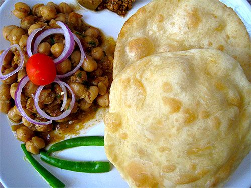 See chole bhature recipe with video from punjabi cuisine of india see chole bhature recipe with video from punjabi cuisine of india this chole bhature recipe is eaten in all meals in india ie breakfast lunch forumfinder Image collections