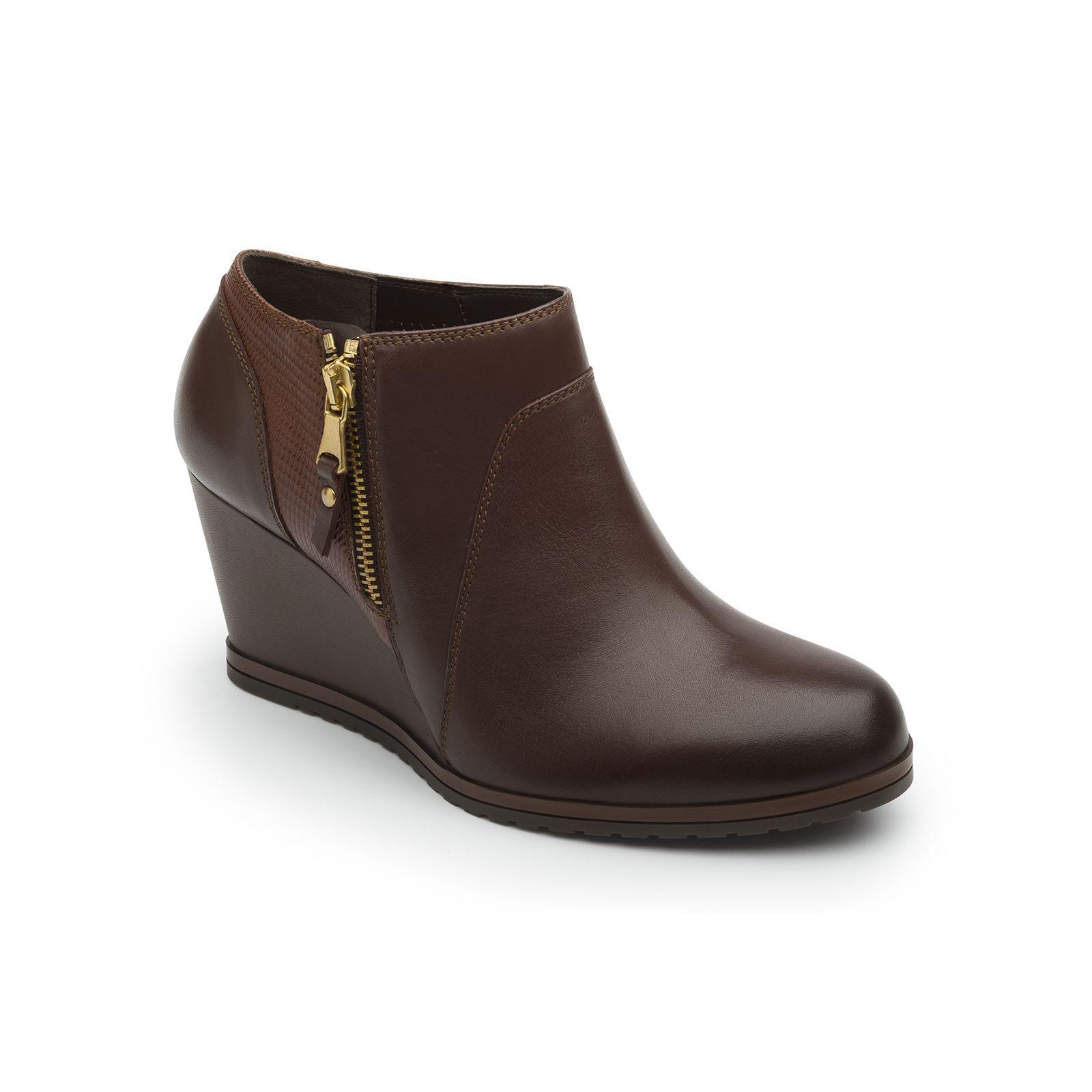 e08b29b5 Nueva línea casual con suela de cuña alta forrada en el mismo tono que el  color del zapato con patín dentando para dar un look moderno. diseños en ...