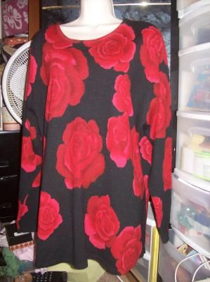 Cd Daniels Black Sweater With Red Roses Size 2x Free Shipping