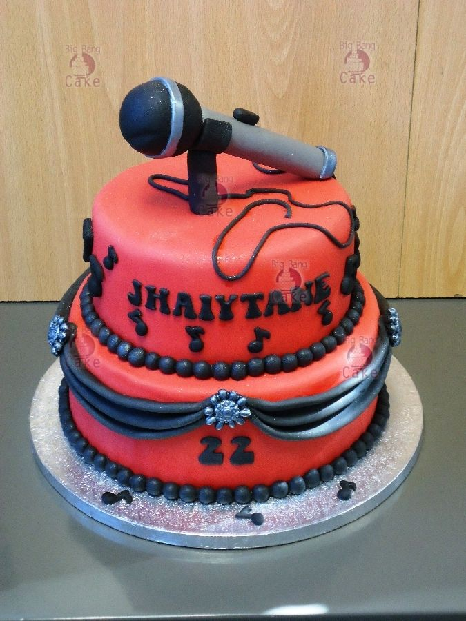 A Cake For A Singer Graduation Cake Ideas Pinterest Singers