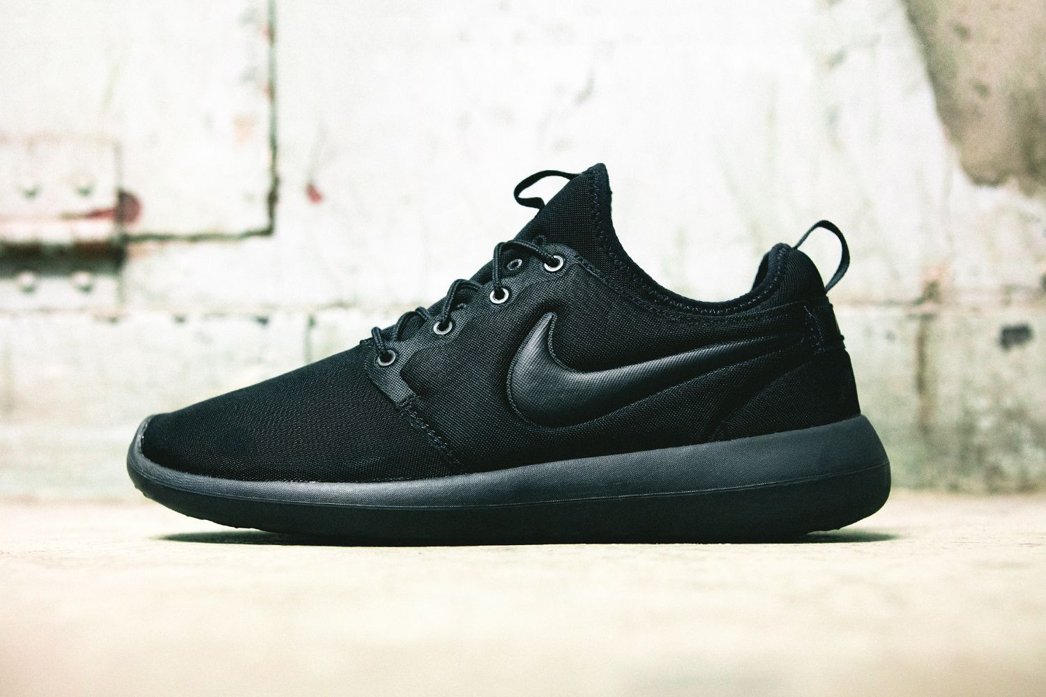buy online 4e268 6e931 Nike Roshe Two at Finish Line | Sneakers Shoes & Heels ...