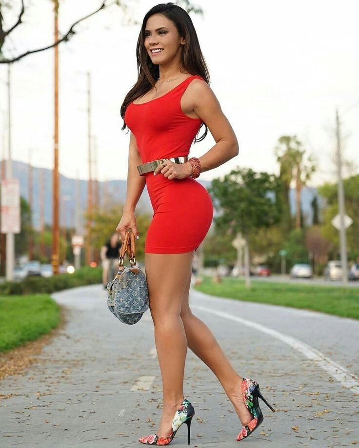 Tight Dresses Gallery