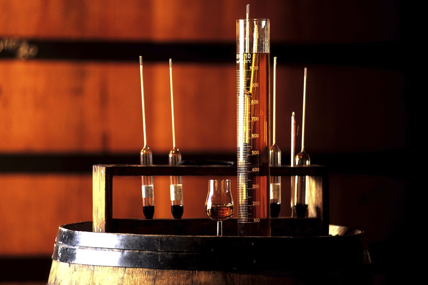 The 6 Types Of Base Distilled Spirits Distilled Spirit Distilling Alcohol Liquor