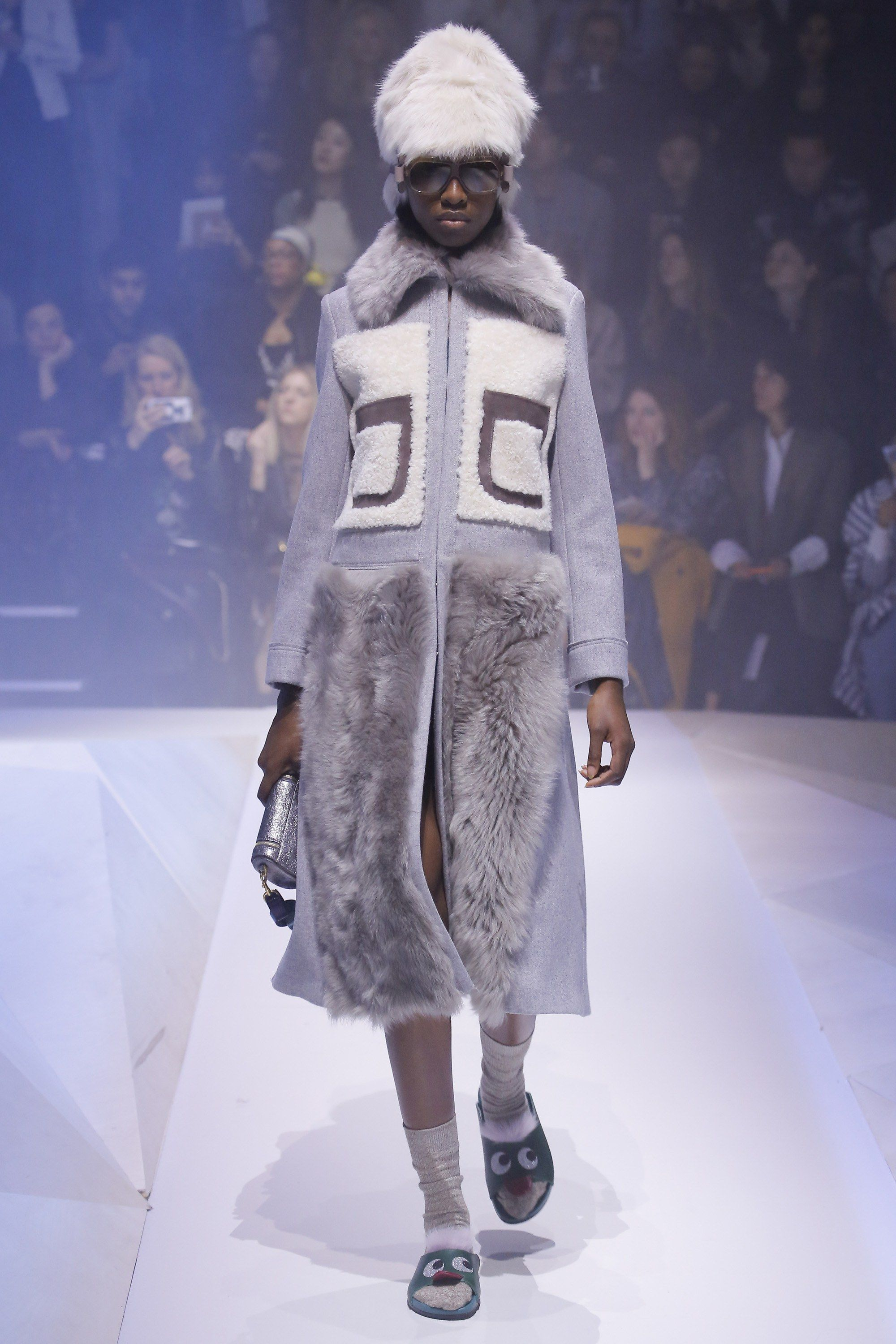 Anya Hindmarch Fall 2017 Ready-to-Wear Collection Photos - Vogue