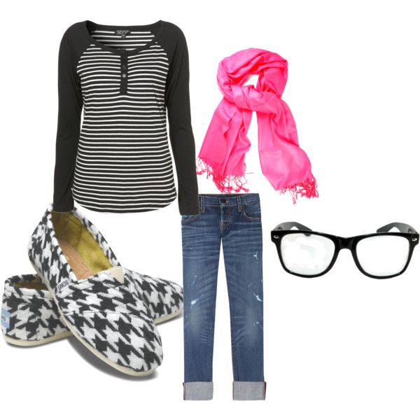 mix those patterns! And hot pink makes everything more awesome!
