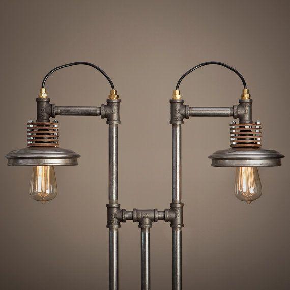 lampe tube fer avec base en bois plomberie montage et. Black Bedroom Furniture Sets. Home Design Ideas
