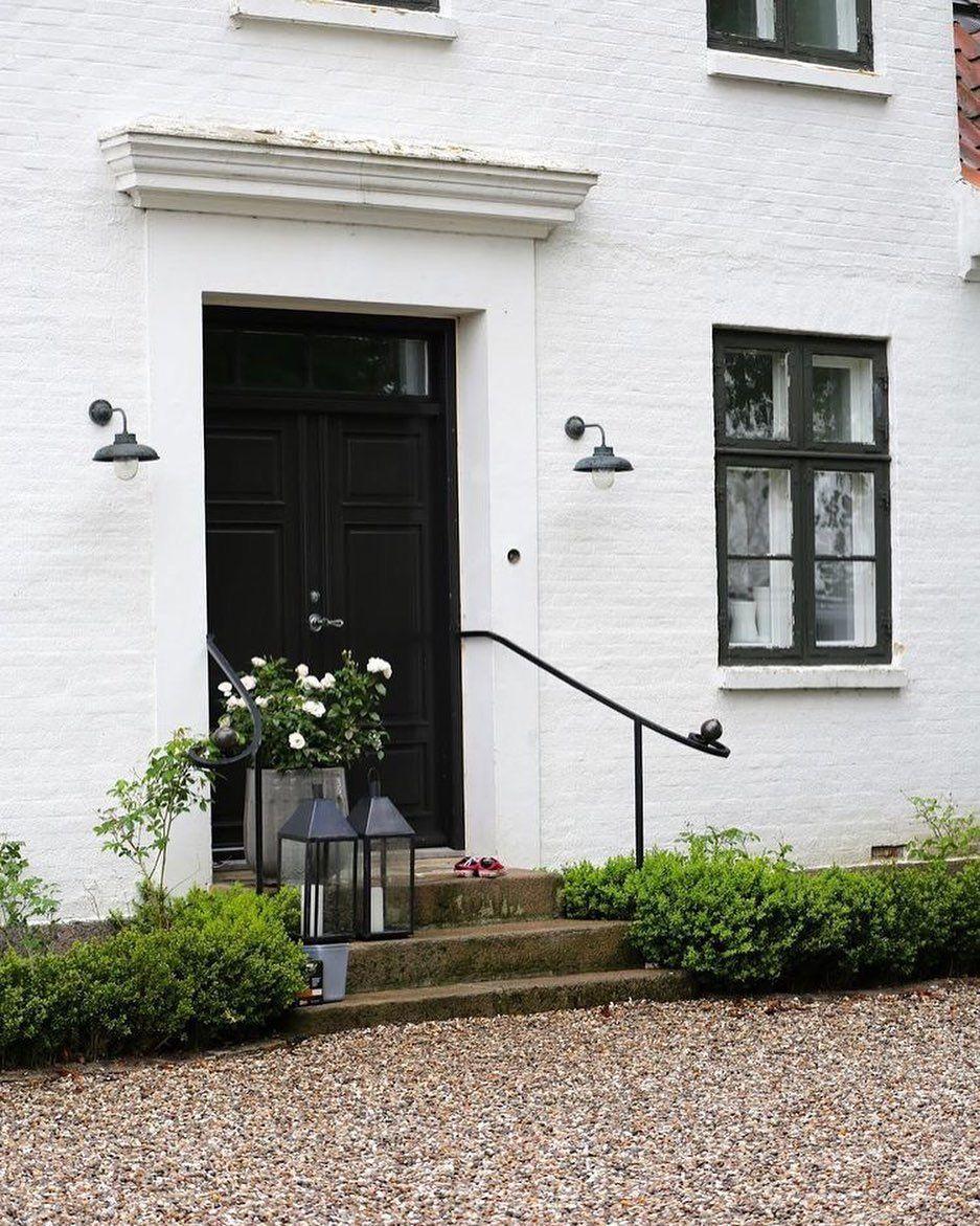 23 Stylish Scandinavian Door Design Ideas Looked Outside In 2020 Scandinavian Doors Exterior Design House Exterior