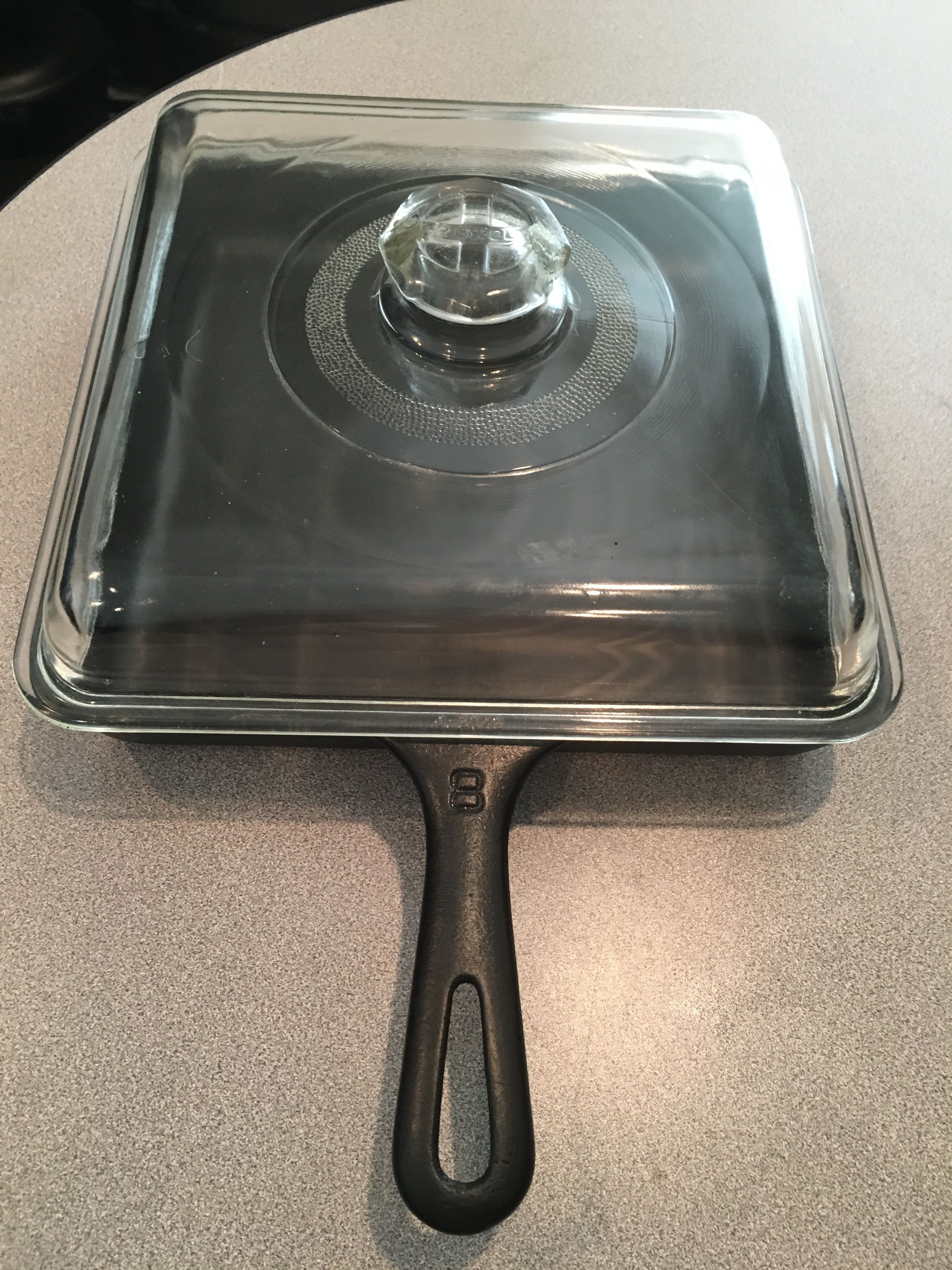 Griswold No 8 Square Skillet With Griswold Glass Lid Cast Iron Cooking Griswold Cast Iron Cast Iron Cookware