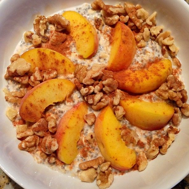 oats with peaches, walnuts, cinnamon and maple syrup