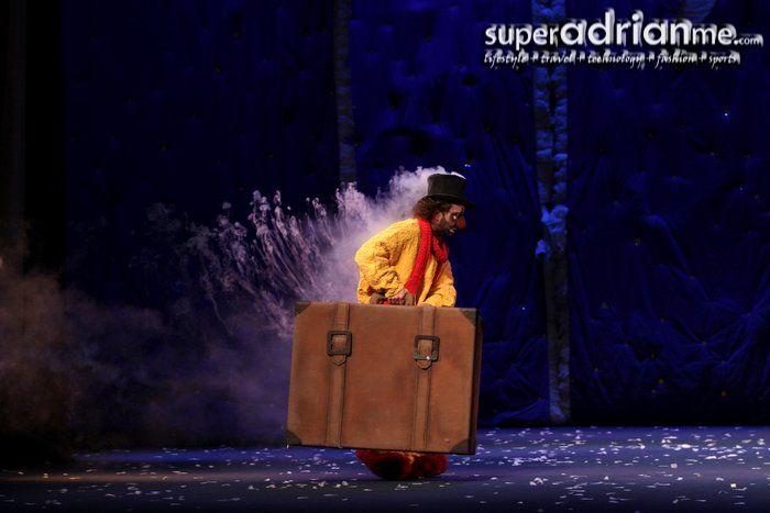 Slava S Snow Show Singapore Scene Design Curtain Call Theatre