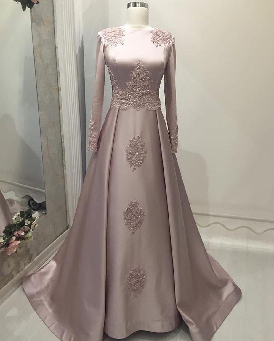 Pin oleh Nour Nouh di wedding  Pakaian wanita, Model baju wanita