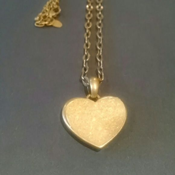 *price drop* Gold Lia Sophia Crush Necklace Long chain, worn 1-2 times Lia Sophia Jewelry Necklaces