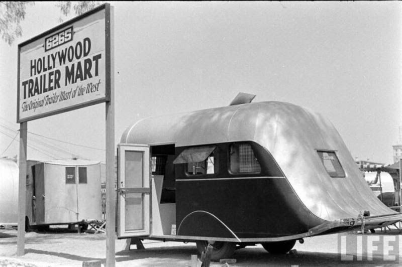 30s Hollywood Vintage travel trailer camper