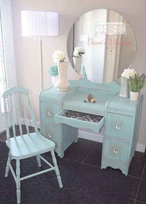Shabby chic mint makeup vanity more shabbychicfurniturecolors r novation de meubles en 2018 - Meuble maquilleuse coiffeuse ...