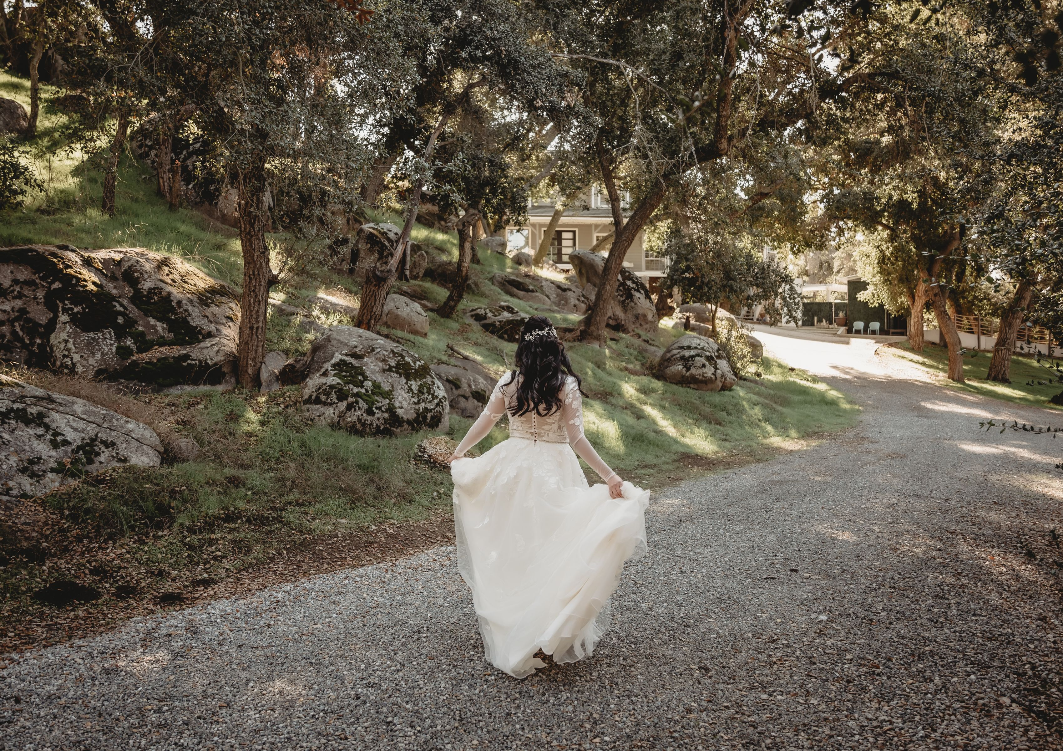 Romantic Barn Wedding at Winter White Barn in Temecula, CA