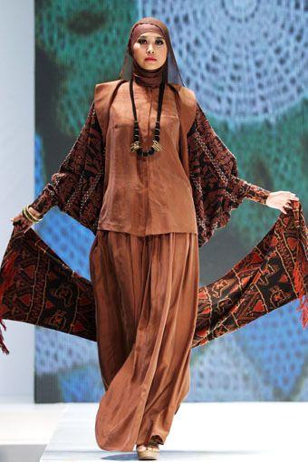 Ida Royani Abayeh Hijab fashion Model baju batik dan