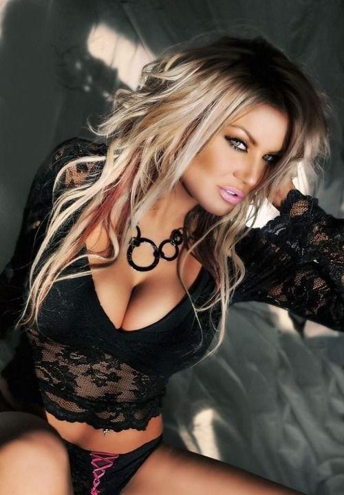 mature-blonde-bimbo-pictures-sexy-nude-antonella-barba
