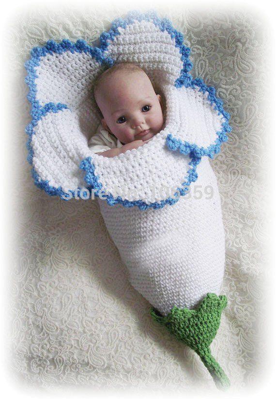 Crocheted Flower Baby Cocoons Are Adorable | Blumen häkeln ...
