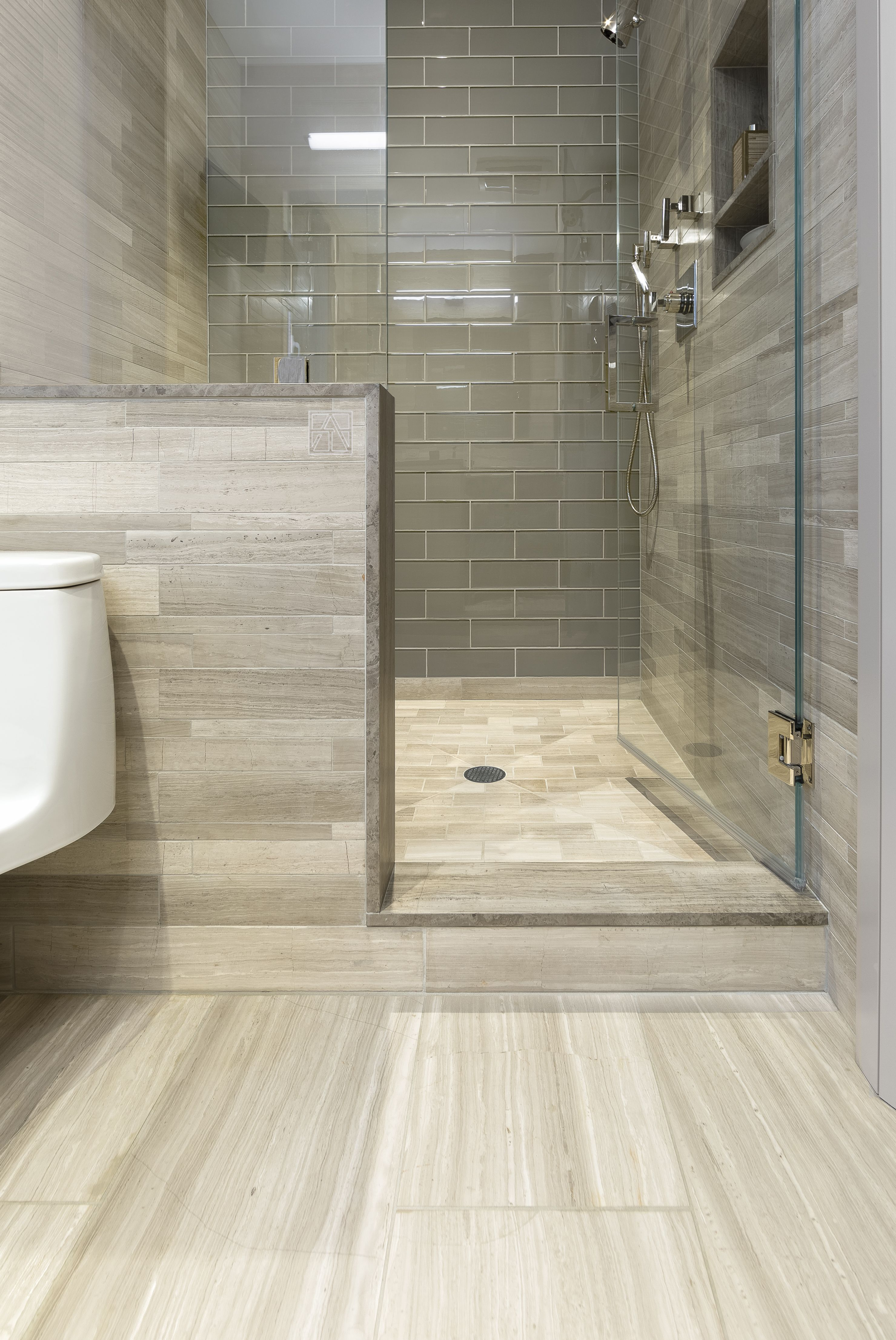 Badezimmer ideen klein artistic tile i vestige collection ash stone tile bathroomredesign