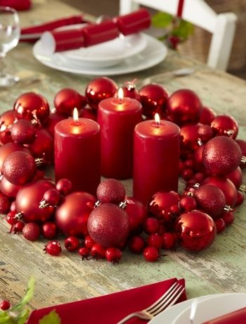 Lovehome Co Uk Bright Ideas For A Christmas Table Holiday Centerpieces Christmas Table Settings Centerpiece Decorations