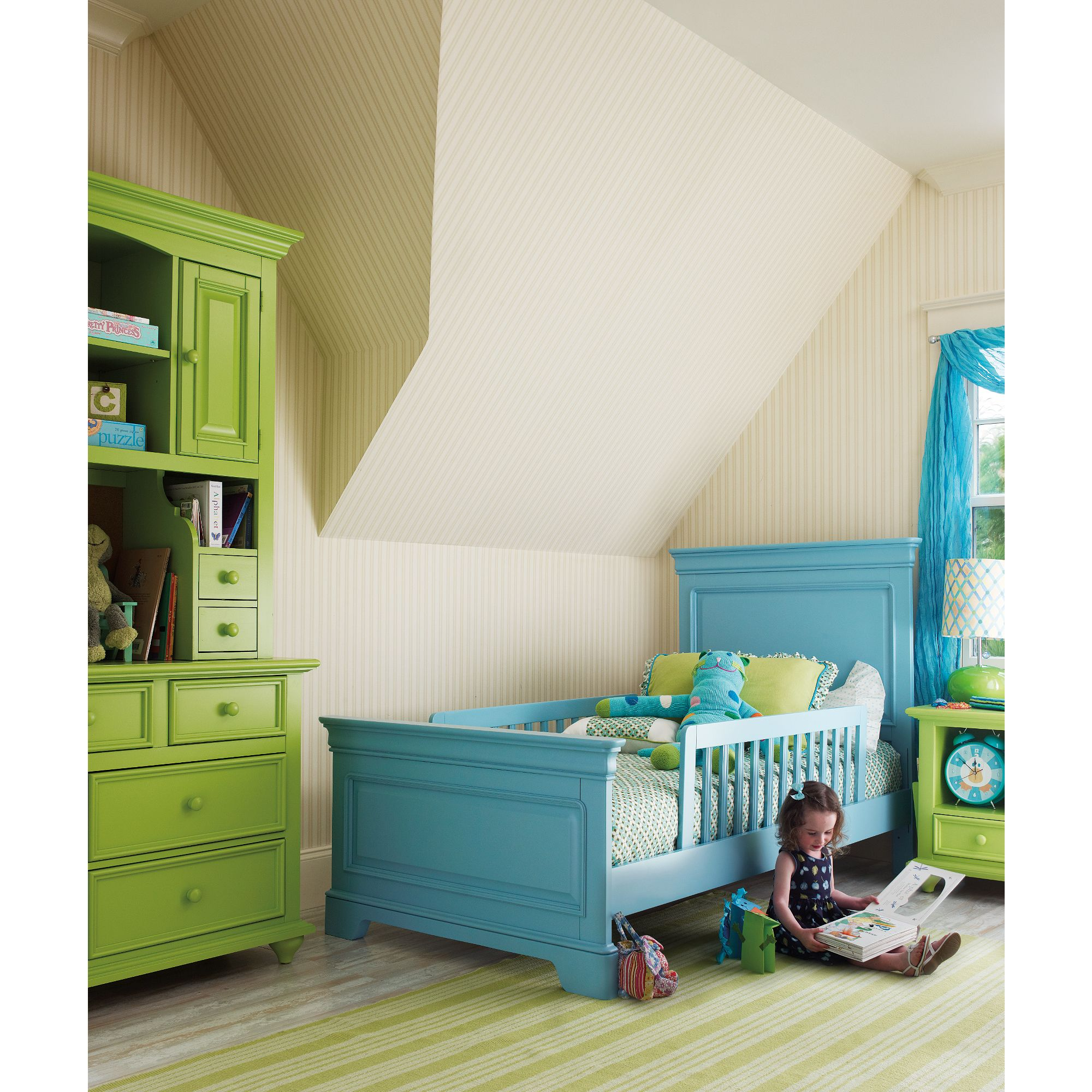 My Haven Bed From Young America By Stanley Furniture