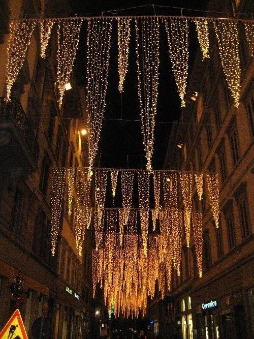 festive christmas lights ooh kill em it looks like upside down christmas trees