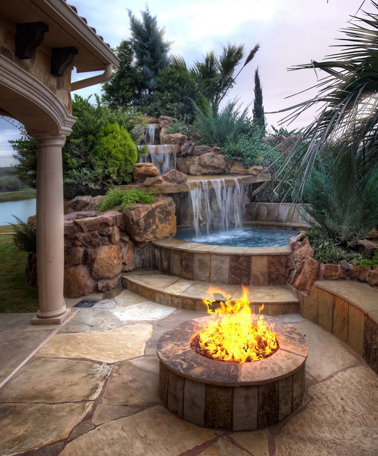 Want a vacation destination in your own backyard? The beauty of nature's creations is captured in the custom natural rock pools, spas, and waterfalls of Stone Mason of Spring. #hottubdeck