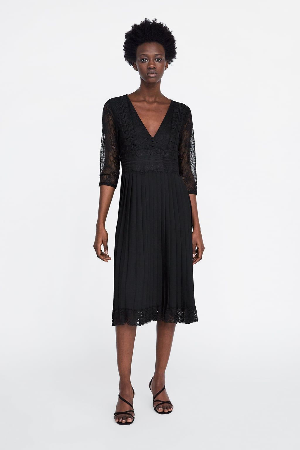 73b649a70e922 Contrasting pleated dress with lace in 2019 | Mom style | Dresses ...