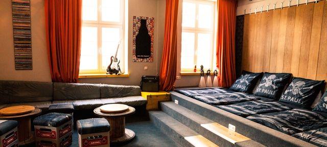 superbude hamburg astra rockstarsuite in der superbude. Black Bedroom Furniture Sets. Home Design Ideas