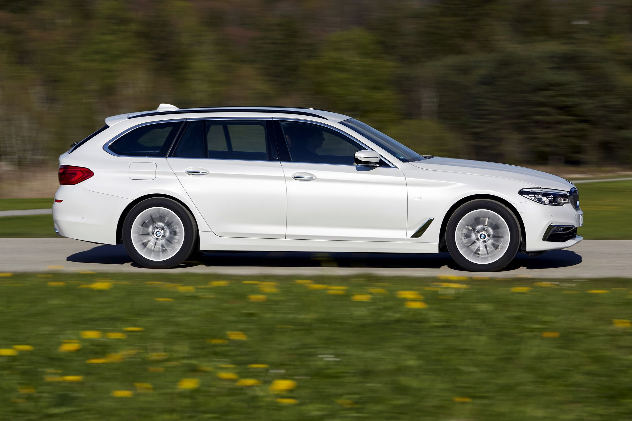 Pin By Bmw Life On Bmw Touring In 2020 Bmw Touring Bmw Bmw 5 Series