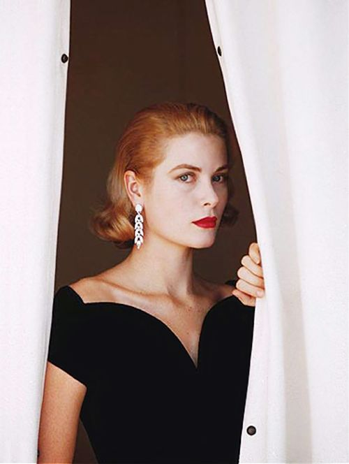 Grace Kelly | photo by Howell Conant