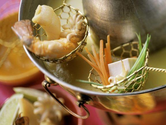 Curryfondue mit Kokos ist ein Rezept mit frischen Zutaten aus der Kategorie Meeresfrüchte. Probieren Sie dieses und weitere Rezepte von EAT SMARTER!