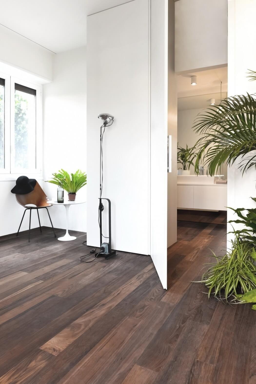 Italian Apartment Thinks Inside The Box Modern ApartmentsMilan ItalyHouse