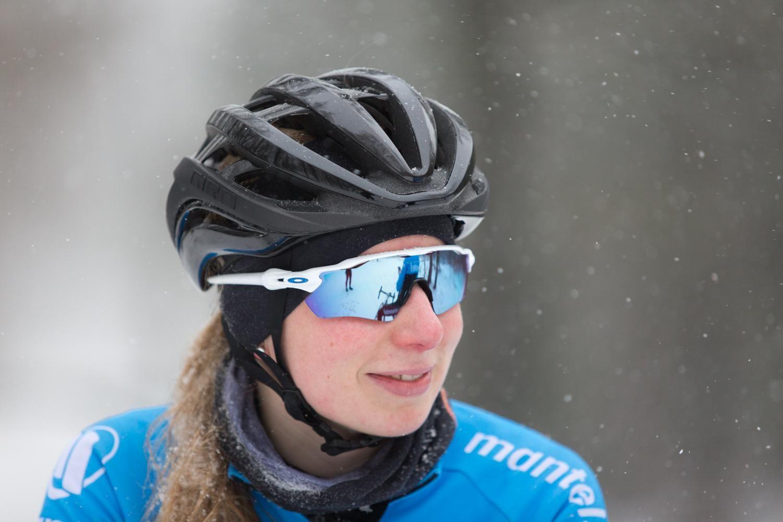 Rumoroso Abiti Anno  Oakley Radar EV Prizm Sapphire Snow Cycling Glasses | Oakley radar ev,  Oakley, People with glasses
