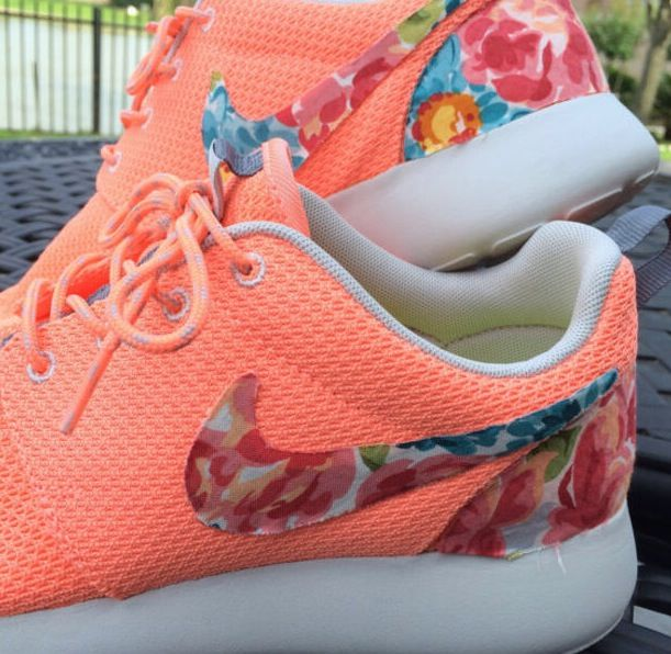 purchase cheap 860e3 bde22 ... czech nike roshe run peach floral nike shoesnike fashion style 24e38  9df71