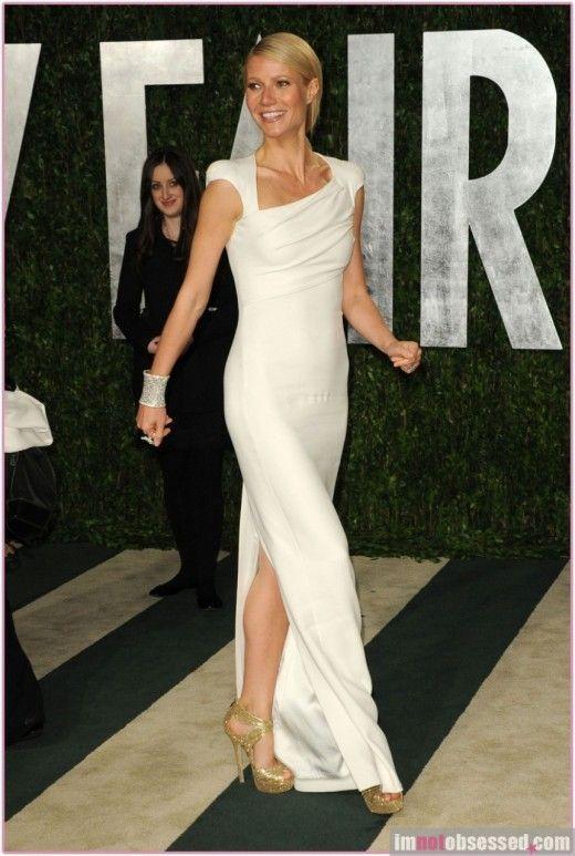 gwyneth paltrow   white dress   so elfish Oscars 2012 02cc878c911