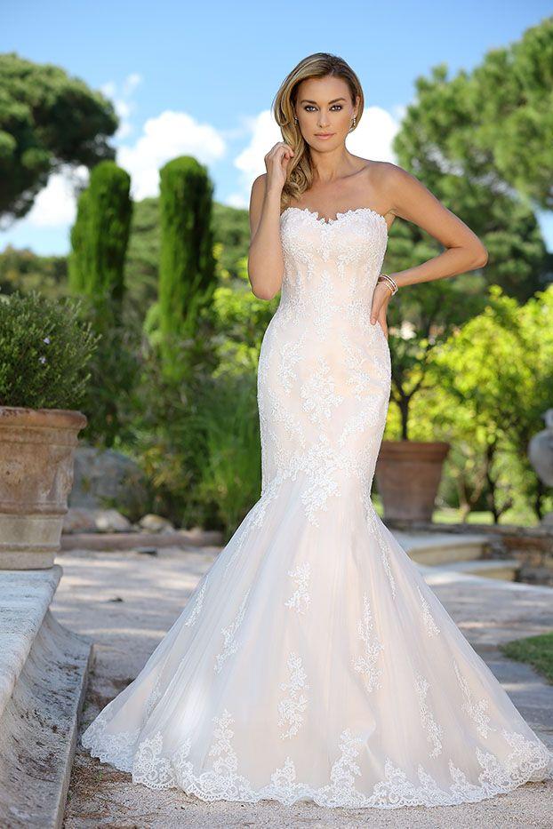 Silhouette Brautkleid - Brautmode und Hochzeitskleider von Ladybird ...