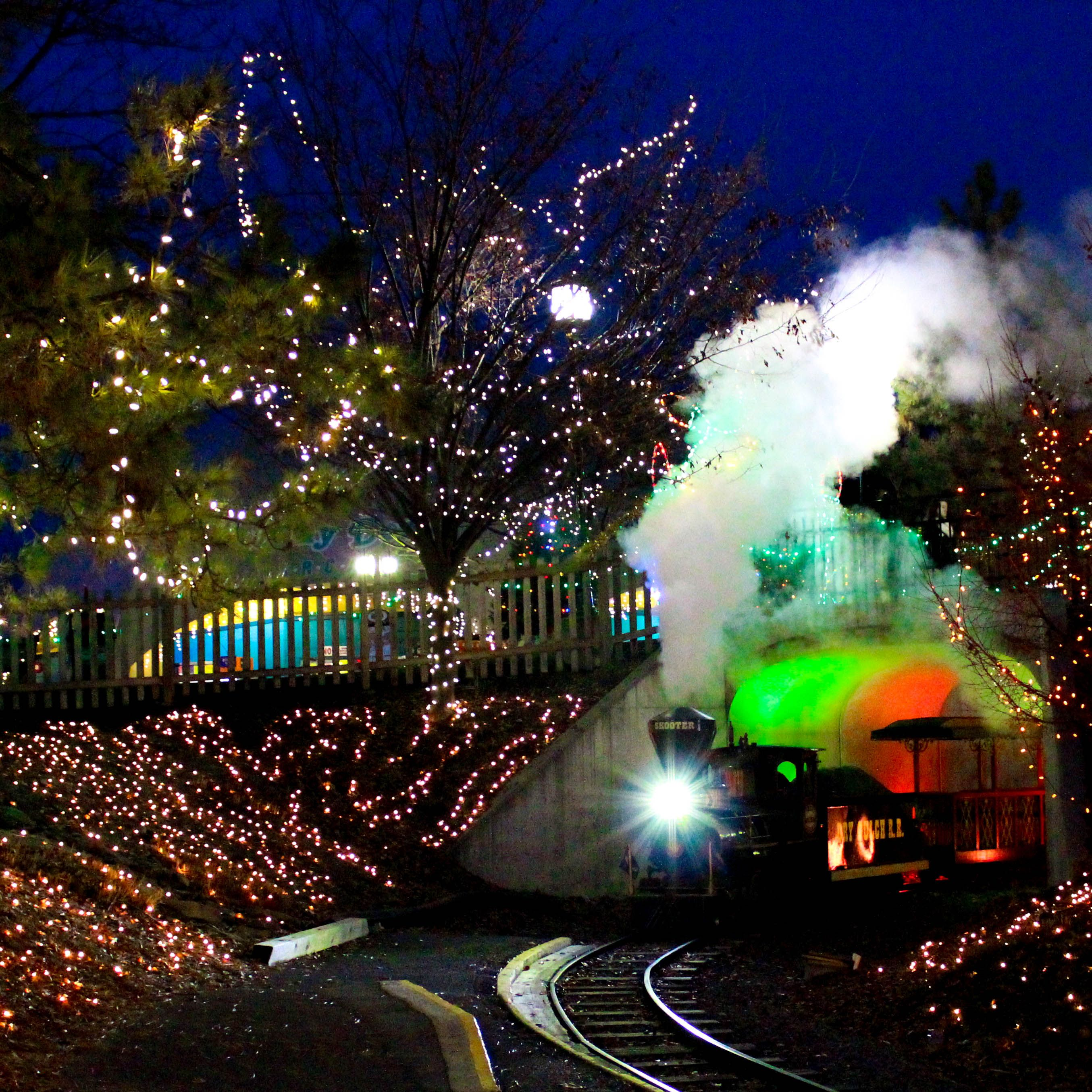 Hershey Park Christmas.4 Million Lights Are Being Added To Hersheypark Christmas