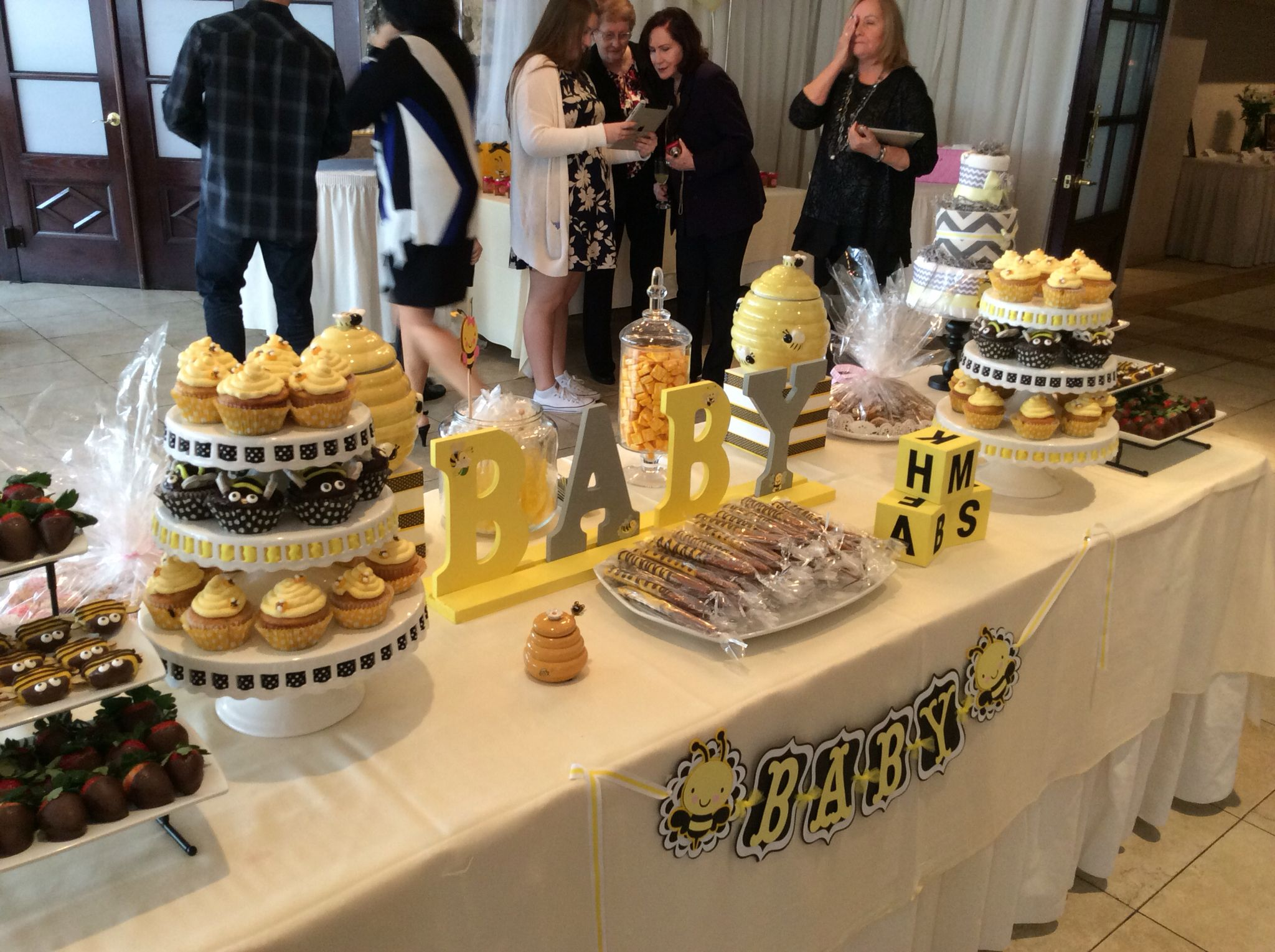 Here Is A Bumble Bee Candy Table For Baby Shower