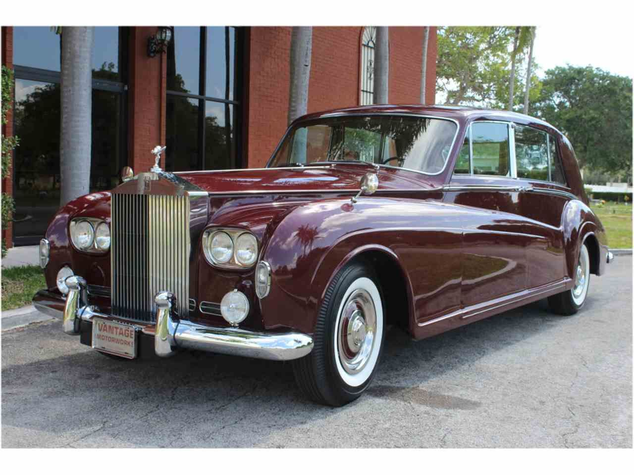1966 Rolls Royce Phantom V in burgundy Rolls royce