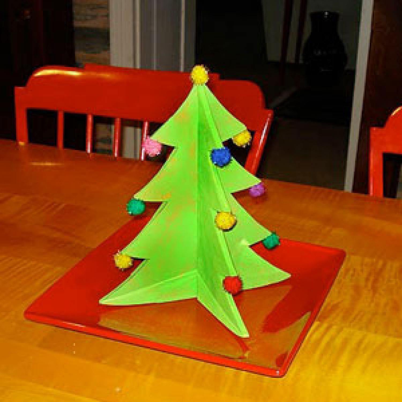 df56c2ca0f5e7 Christmas Table Centerpiece Craft for Kids