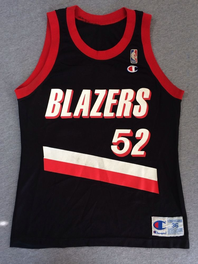 94babe39f76 TRAIL BLAZERS Jersey RARE Buck WILLIAMS  52 Rip City 90 s CHAMPION USA Made  36