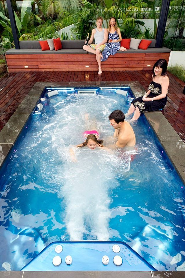 Learning to swim in our endless raptor swim spa endless for Spa swimming pool