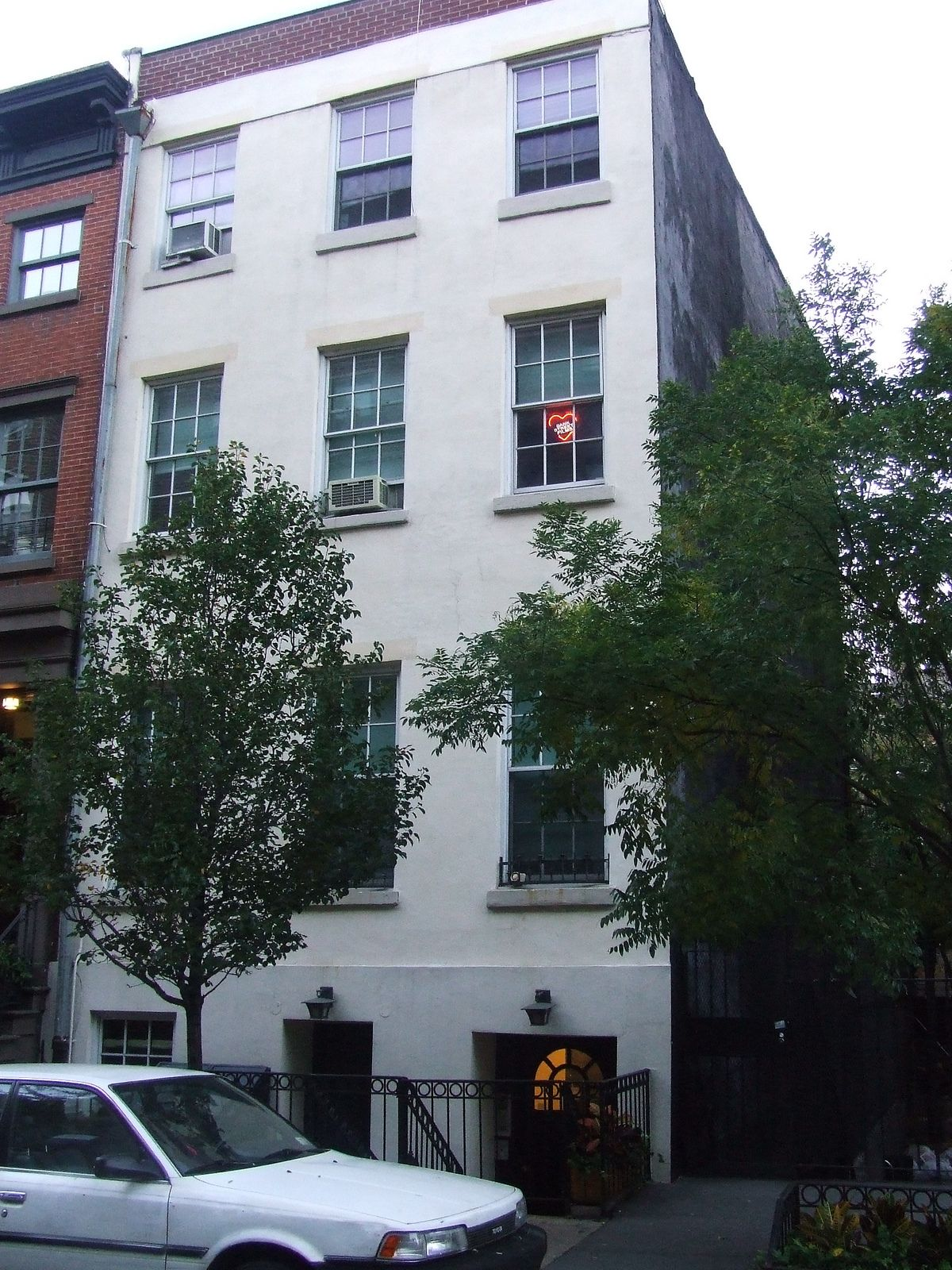 The Second Nyc Residence Of John Lennon And Yoko Ono This Apartment In Greenwich Village Was Center A Growing Art Music Culture