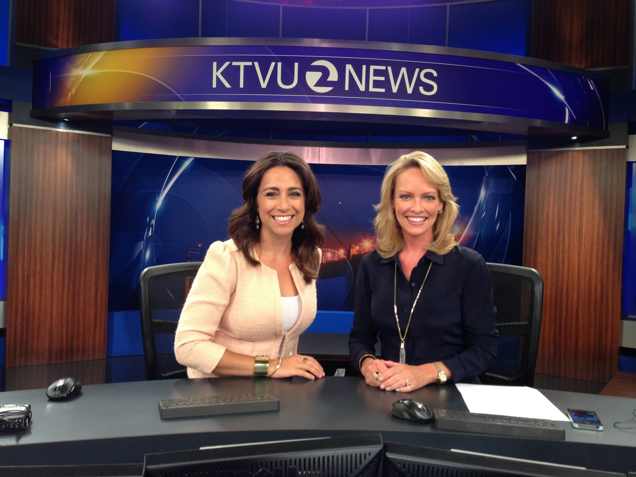 Gasia Mikaelian And Julie Haener Are All Smiles At The Anchor Desk Ktvu Tv Channel Oakland San Francisco All Smiles