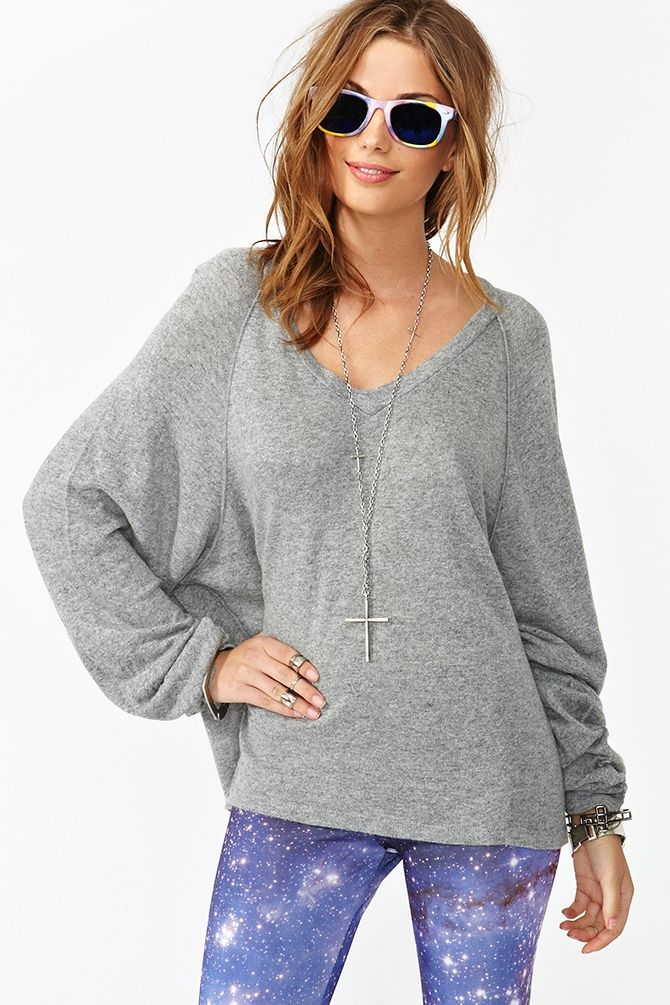 Love Oversized Sweaters In Chilly Weather Just Bundle Right Up Also