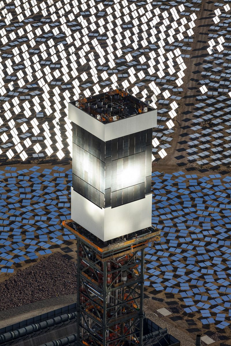 Ivanpah Solar Power Facility Electricity Generation System Pin By Futurxtv On Funktastic Places Creatures Funk Gumbo Radio The Electric Generating California Amp Nevada Border