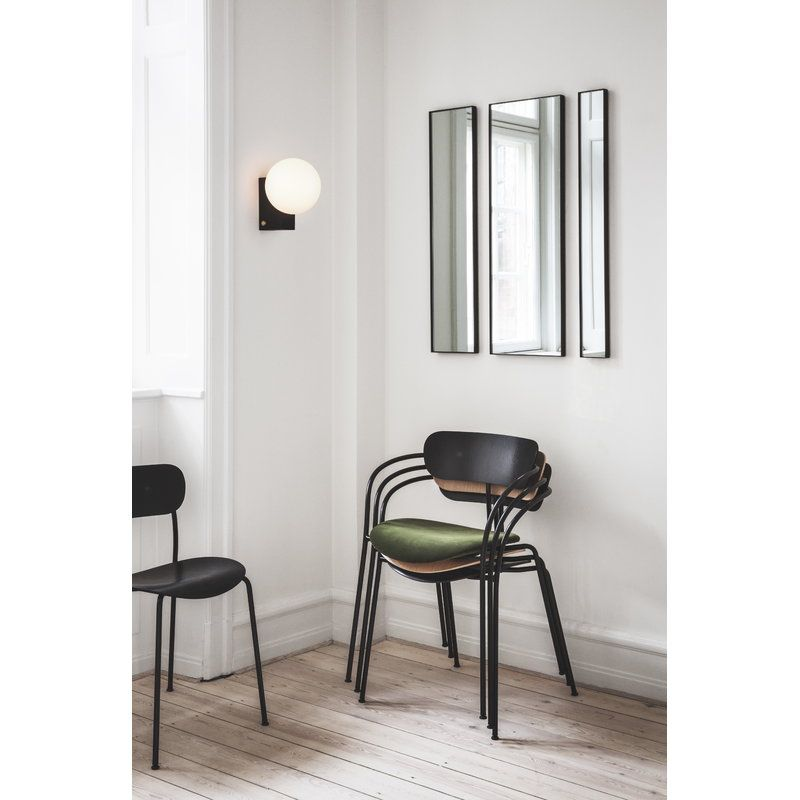 Tradition Journey Shy2 Seina Valaisin Musta Pavilion Chair Black Wall Lamps Wall Lamp