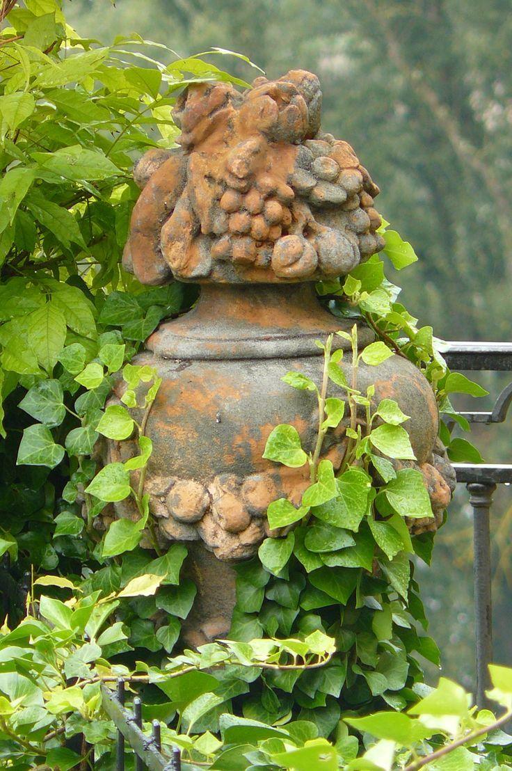 Sculpture with vines agustinacpsta pinterest gardens